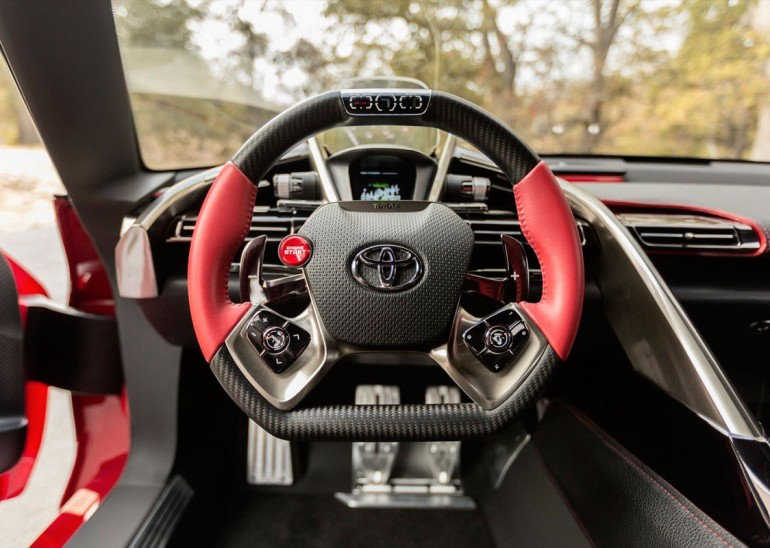 Toyota FT-1 volan