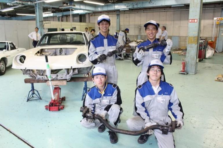 Mazda Cosmo Sport Restauracija